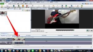 元の画面に戻ったら、動画を「動画トラック1」へドラッグします